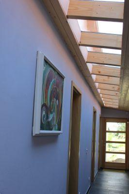 Abbildung: Natürliche Beleuchtung über ein  Lichtband im Dach